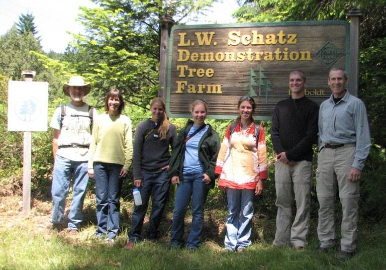 Student Field Trip 2012, L to R: Gordon Schatz, Beth Brantley (faculty), Kelly Ketterman, Maddie Erickson, Jennie Diehl, Tosh Rung, Craig Houghton (faculty)